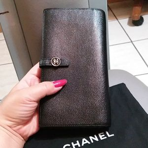 Beautiful Authentic Chanel Wallet Caviar skin